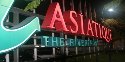 Bangkok :   « Asiatique - The Riverfront »,  un village dans la ville !