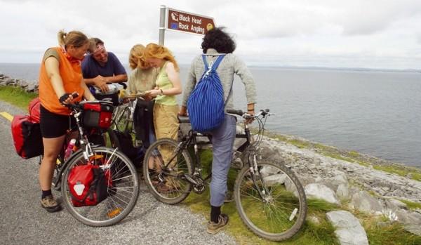 Depuis plusieurs années les  guides du Belfast City Bike Tour vous emmène pour une aventure inoubliable en deux-roues à travers la ville.  © ireland.com