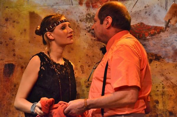 """""""Les Personnages oubliés """" une pièce d'Henry Le Bal actuellement à l'affiche du Théâtre de l'ïle Saint-Louis à Paris. De gauche à droite : Juliette Raynal et Philippe de Brugada. Copyright photo David Raynal"""