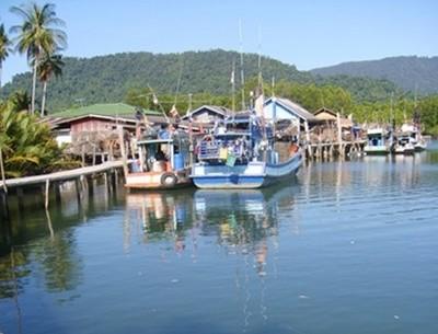 koh Chang (l'ile éléphant) est la troisième plus grande île de la Thaïlande et située sur la côte est du golfe de Thaïlande, dans la province de Trat, près de la frontière du Cambodge. Elle se trouve à 310 km de Bangkok.(Copyright Lindigomag)