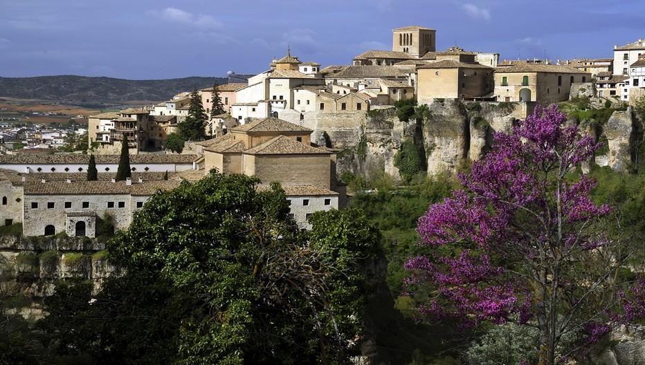 Cuenca, nid d'aigle sur un rocher, une ville classée au Patrimoine Mondial. © O.T. Espagne