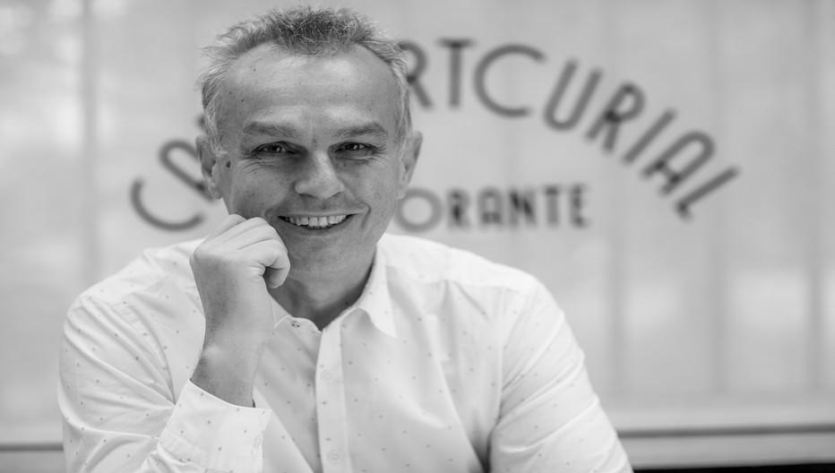 Enrico Einaudi, un piémontais original et audacieux qui n'a pas hésité à quitter la finance pour suivre sa passion, la gastronomie. © www.cafeartcurial.fr
