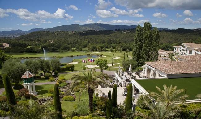 le Royal Mougins Golf Club qui a appartenu à la comtesse de Pourtales est construit sur le magnifique domaine du Vallon de l'Œuf. © O.T. Mougins