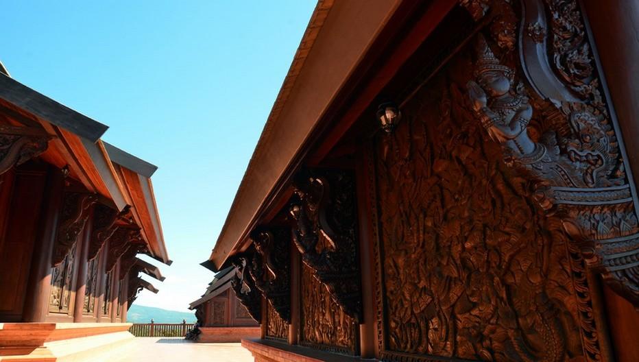 Temple en bois de la région de Dan Sai. © David Raynal