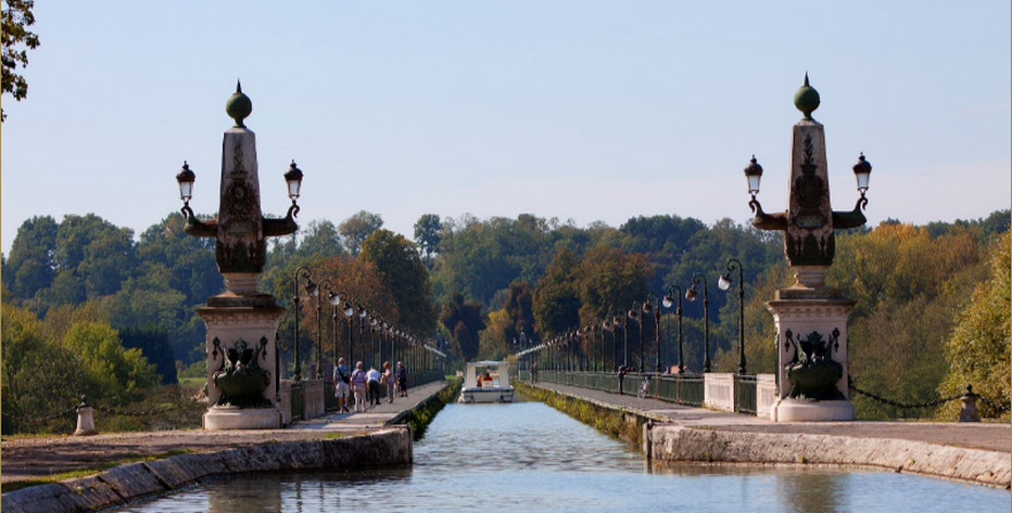 Pont Canal de Briare - © OT Gien