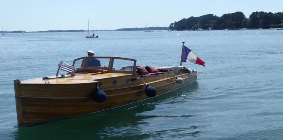 La joie de découvrir les secrets du golfe sur le Ran III, un bateau tout en bois de tradition suédoise.....© C.Gary