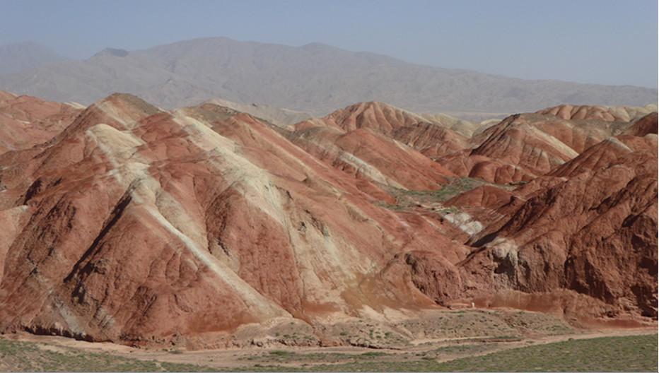 Les roches de Danxia sont un des plus beaux attraits sur cette route de la Soie à 30 kms de Zhangye.© Catherine Gary