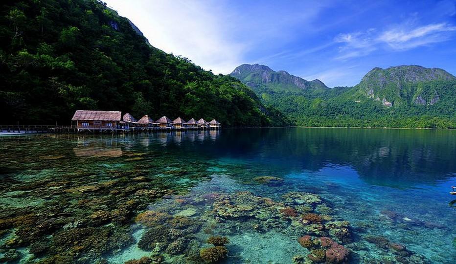 Immense archipel de plus de 13 000 îles s'étalant sur pas moins de 5 000 kilomètres d'est en ouest, l'Indonésie compte près de 255 millions d'habitants, 300 groupes ethniques et plus de 700 langues.© O.T. Wonderfull Indonesia