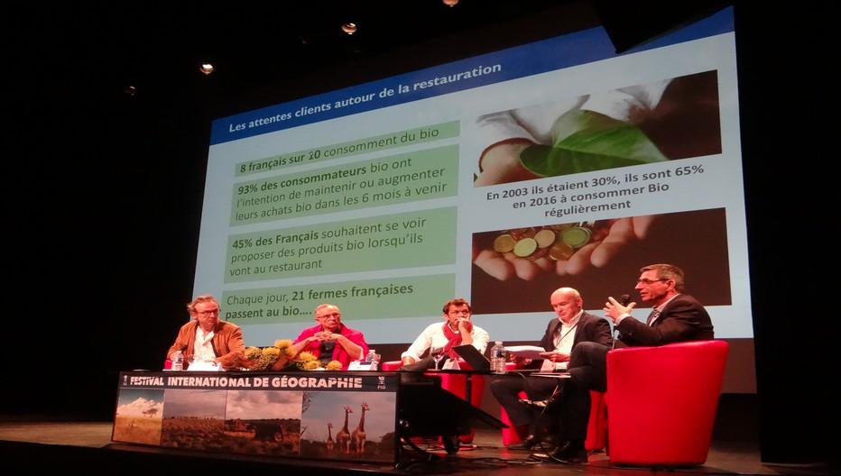 Laurent Mariotte, le chroniqueur culinaire médiatique, qui plus est, vosgien, est venu débattre sur les produits locavores et leur consommation. ©Bertrand Munier