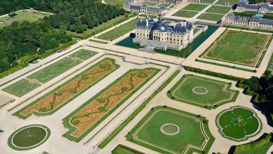 Château de Vaux-le-Vicomte XVIIème du surintendant des Finances Nicolas Fouquet  dont l'architecture, les jardins et les peintures de Le Vau, Le Nôtre et Le Brun fera la gloire de Versailles. Copyright  Lourdel Chicurel.