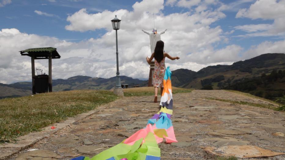 """""""Jérico, l'envol infini des jours """" décor en technicolor. d'un film sur les femmes locales; Copyright D.R."""