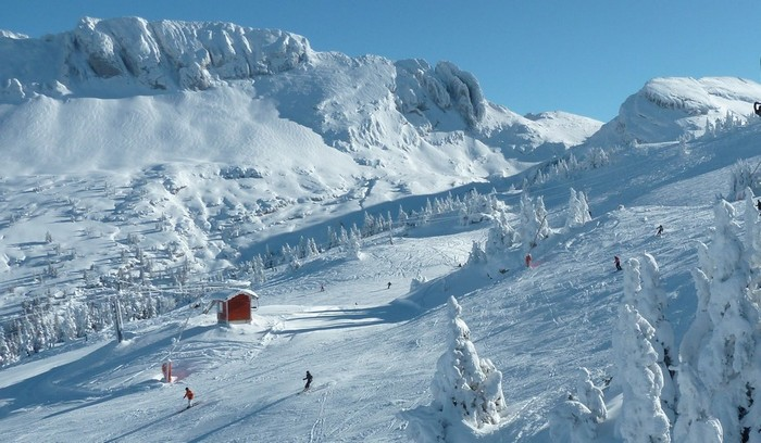 Ski alpin dans un décor de rêve .Copyright S.Charles