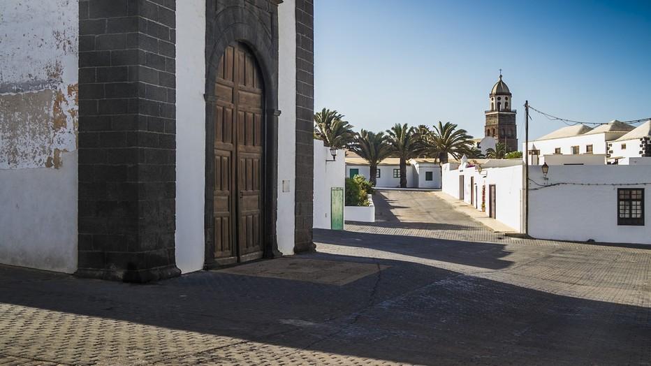 La petite ville de Teguise composée d'habitats traditionnels, monuments religieux et petits musées . (Copyright OTCM)