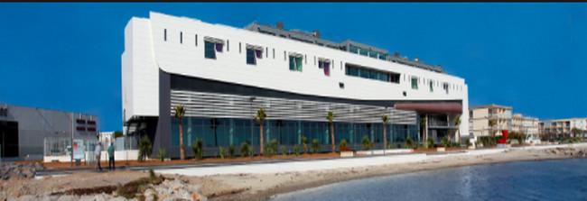 L'un des bâtiments des Nouveaux Thermes de Balaruc-les-Bains (Copyright O.T. Balaruc-les-Bains)
