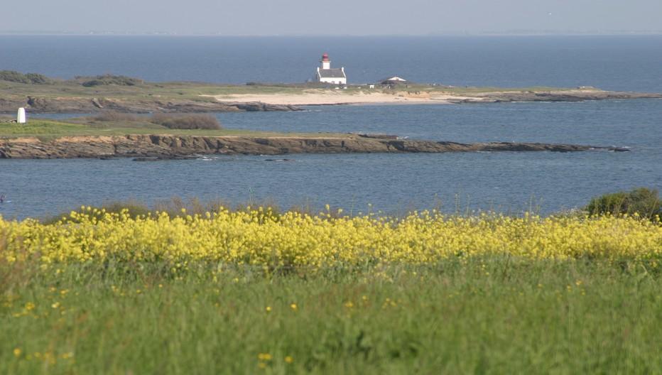 L'île de Groix est suffisamment grande pour répondre aux envies de robinsonnade, et suffisamment petite pour ne pas perdre son âme….. © Richard Bayon