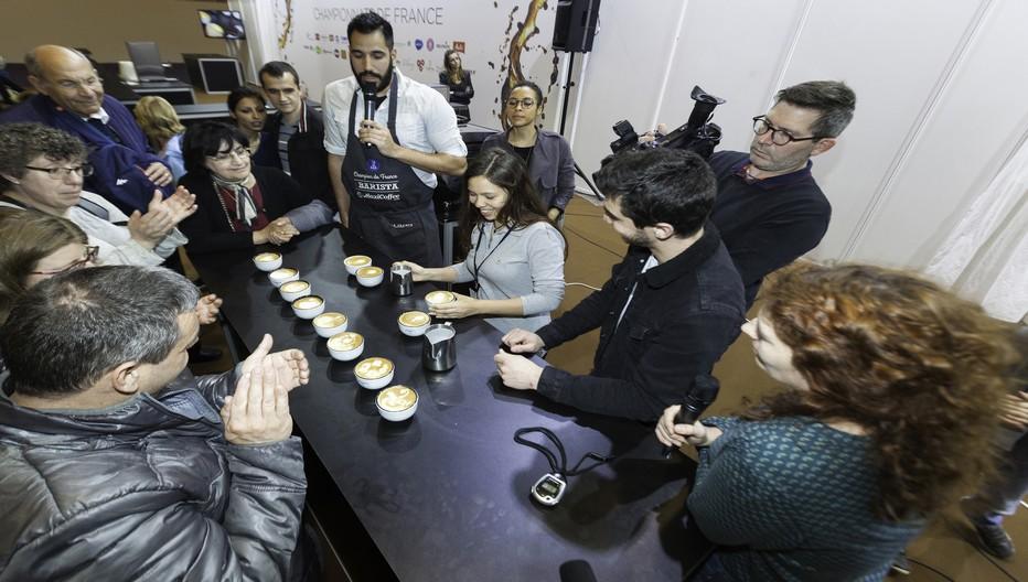 Artisans de la torréfaction, sommeliers du café et artistes sur tasses, se livrent à des duels épiques pour obtenir le titre de Champion de France.Copyright D.R.