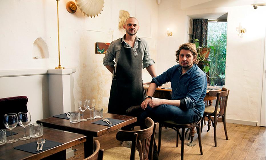 Serge et Pascal, deux joyeux compères viennent d'ouvrir leur second resto dans le sympathique quartier parisien des Batignolles. Copyright C.Gary