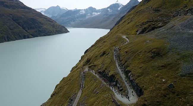 un tout nouveau parcours de 360 kilomètres entre le col de la Furka et le Bouveret sera inauguré et intègrera le Swisspeaks Trail.© ST