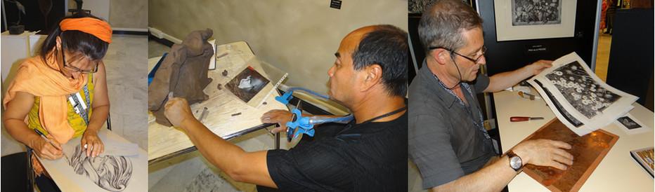 Les artistes exposent mais travaillent en direct devant les visiteurs  à l'instar (de gauche à droite)  du peintre Patricia Cronier Zohar, du sculpteur céramiste Raimundo Folch  et du graveur Jycé.  ©Bertrand Munier