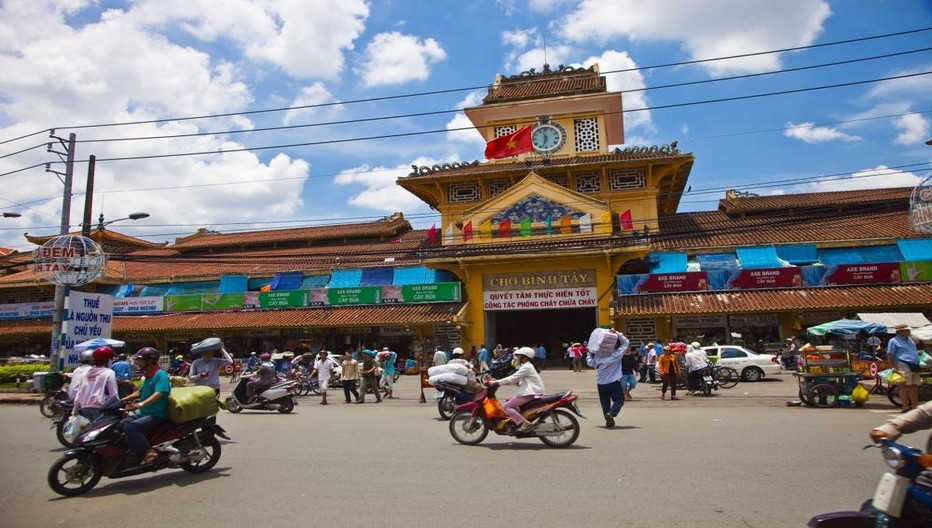 Grand marché couvert Binh Tay © DR