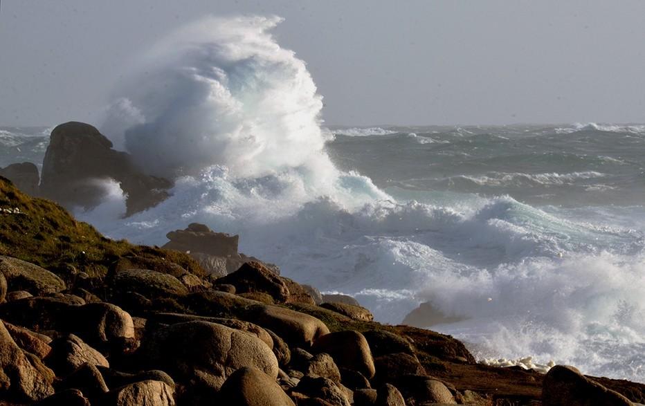 La mer et ses ressacs sur l'ïle de Ouessant. @ David Raynal