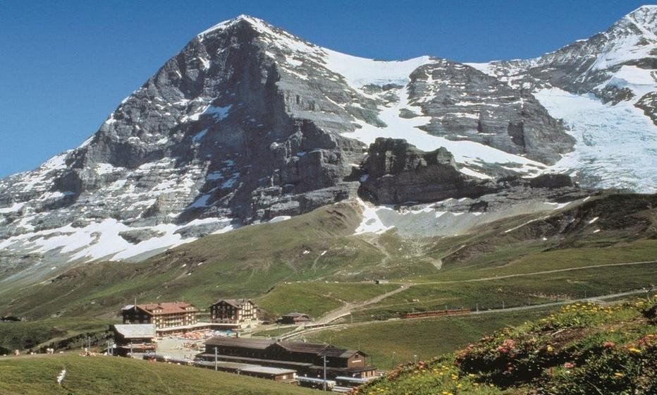 la station de Kleine Scheidegg et la face nord de l'Eiger. @ DR