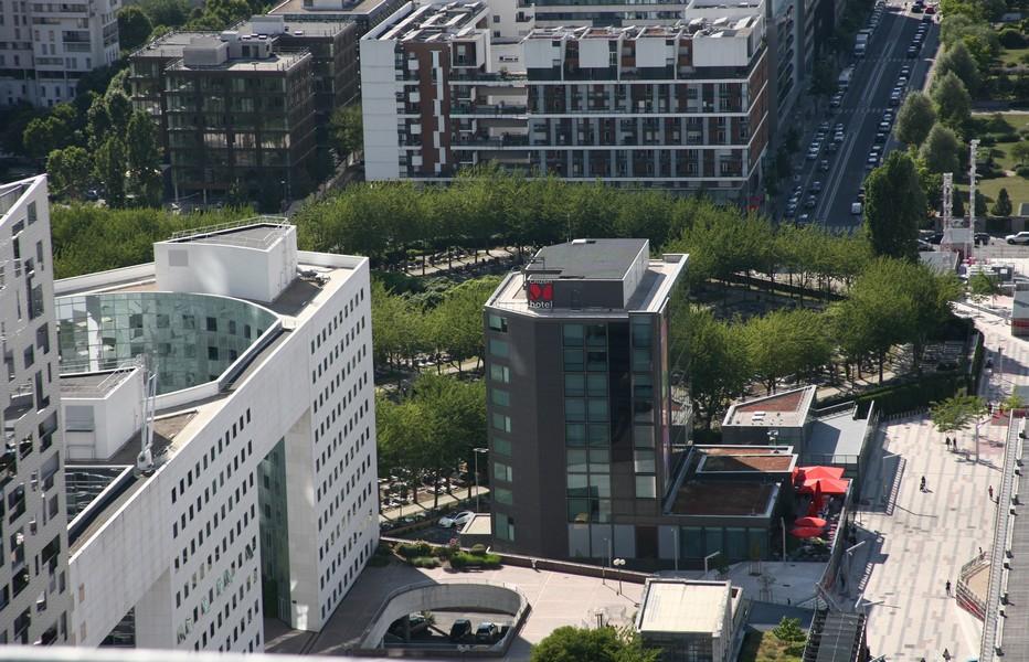 L'Hôtel CitizenM un espace exceptionnel à la Défense. @ R.B.