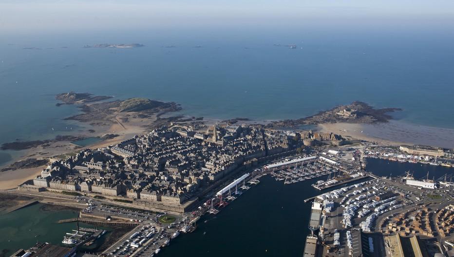 Saint-Malo port d'attache historique  de la course en solitaire. Copyright Alexis Courcoux