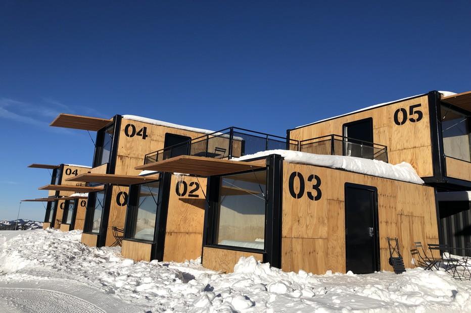 Accor Hotels ajoute à son parc hôtelier, à Avoriaz, un hôtel nomade et éphémère Flying Nest @ X.Bonnet