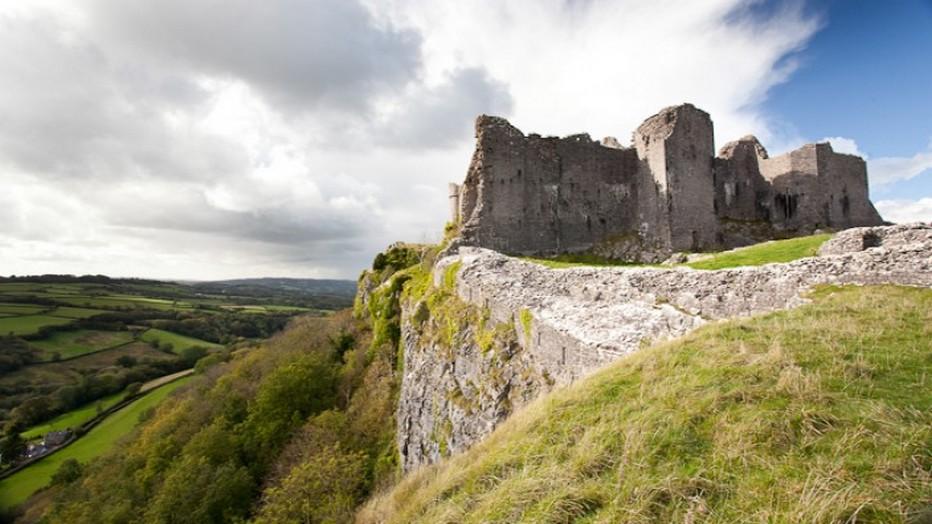 A Penderyn, au nord de Cardiff, la dernière distillerie du pays avait justement dû fermer ses portes au début du 20e siècle. @visit Wales.
