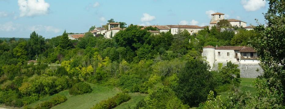 Vue sur Pujols cité médiévale du Lot et Garonne. @ O.T. Lot et Garonne
