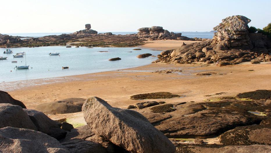 Les chaos de granit rose de la plage du Coz Pors à Trégastel (22)/David Raynal