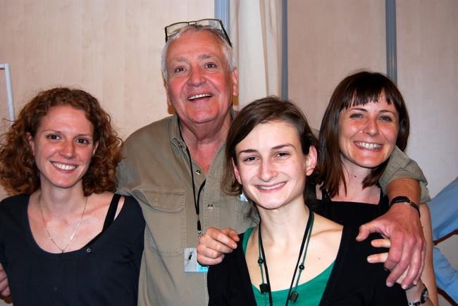 Jean Picollec, entouré de ses collaboratrices,  sur son stand lors du Salon du Livre de Paris. @ David Raynal