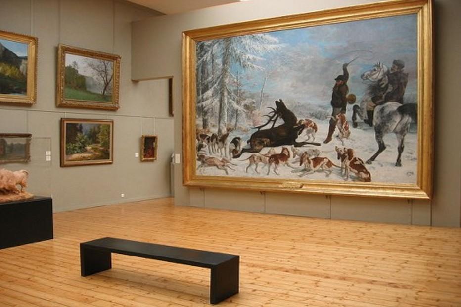 Le musée des Beaux Arts et d'Archéologie expose pour  le Bicentenaire Courbet  le gigantesque Hallali du cerf, chef d'œuvre saisissant qui occupe un panneau à lui seul. @ mbaa.besançon.