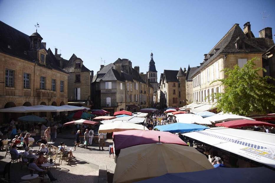 Place du marché; @Sarlat tourisme