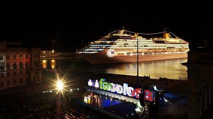 le Favolosa,le plus grand navire de croisière italien