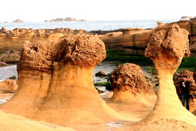 sculptures de la mer à Yehliu sur le côte nord
