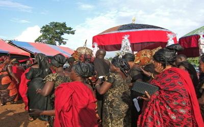 célébration des funérailles dans l'ex-royaume Ashanti