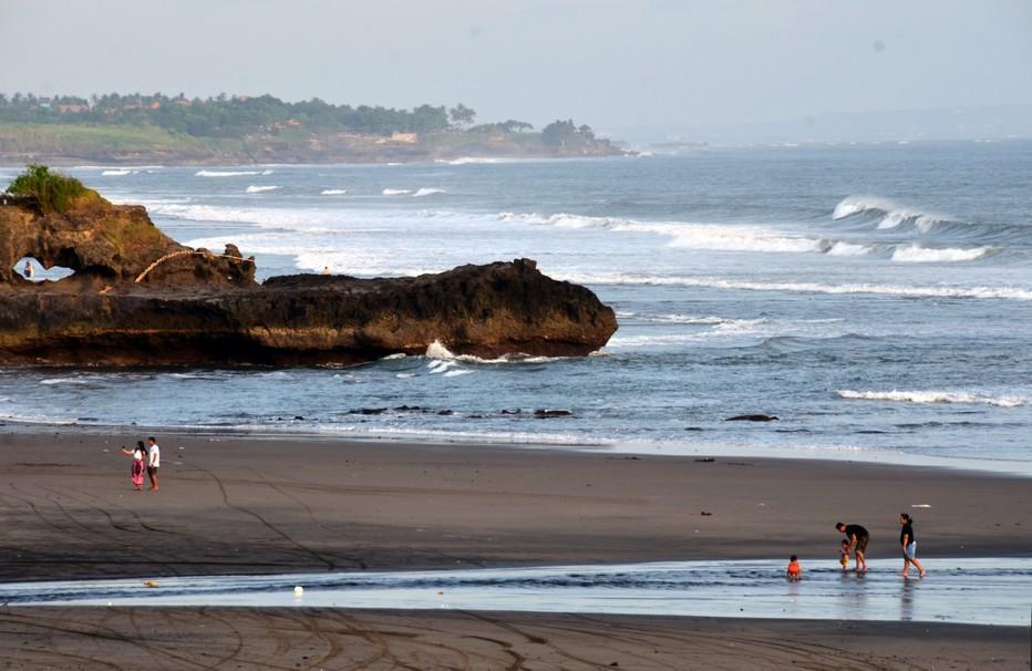 Bali Tanah Lot  eaux claires et ses plages merveilleuses. @ David Raynal