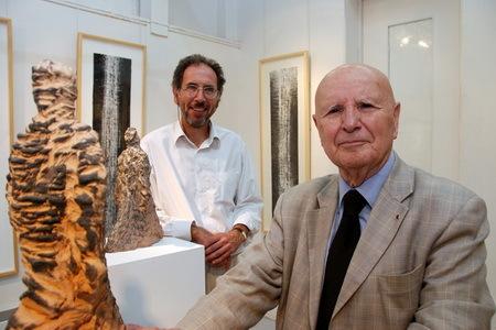 Jean Anguera et Salah Stétié à la galerie Michèle Broutta (Photo David Raynal)