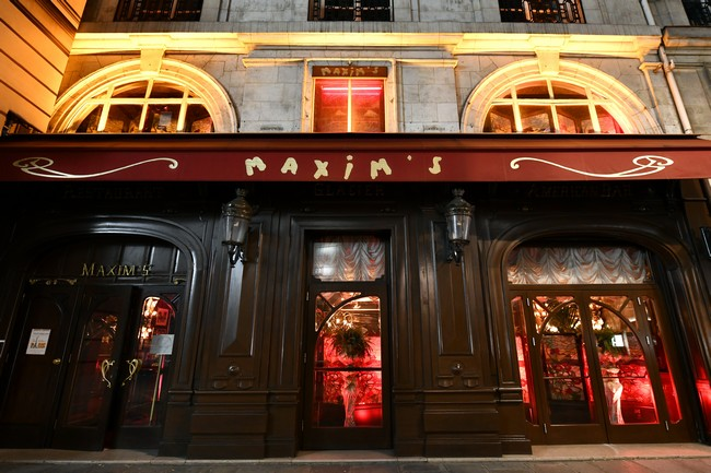 « Chez Maxim's », une adresse prestigieuse qui brille au cœur de Paris. ©Alexandre Marchi