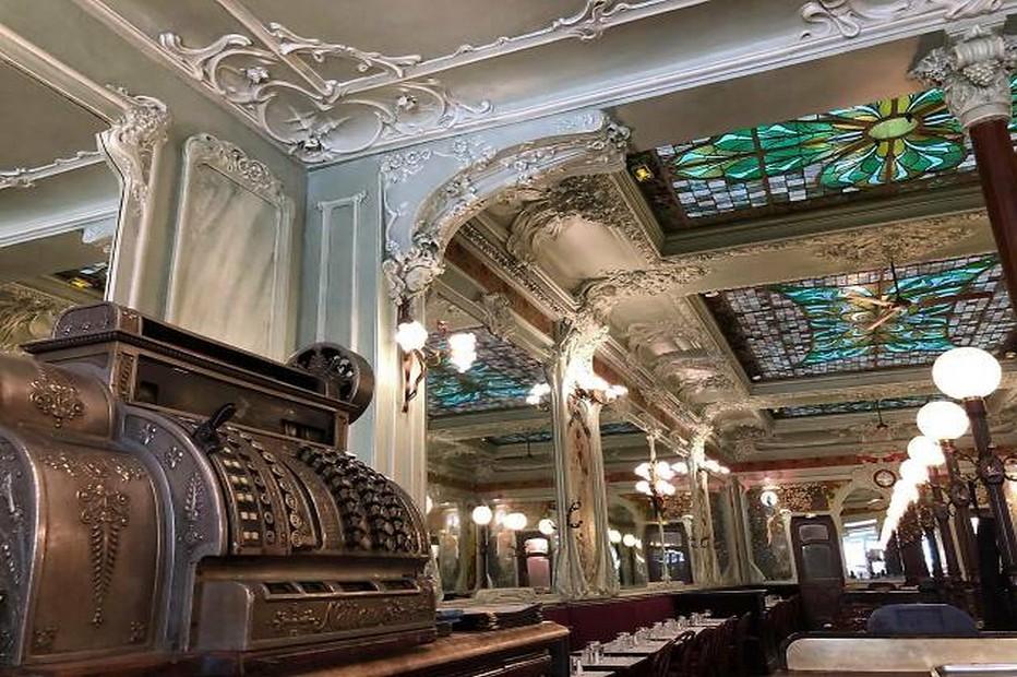 Un endroit  à Paris qui garde tout le charme des brasseries d'antan @ Bouillon Julien