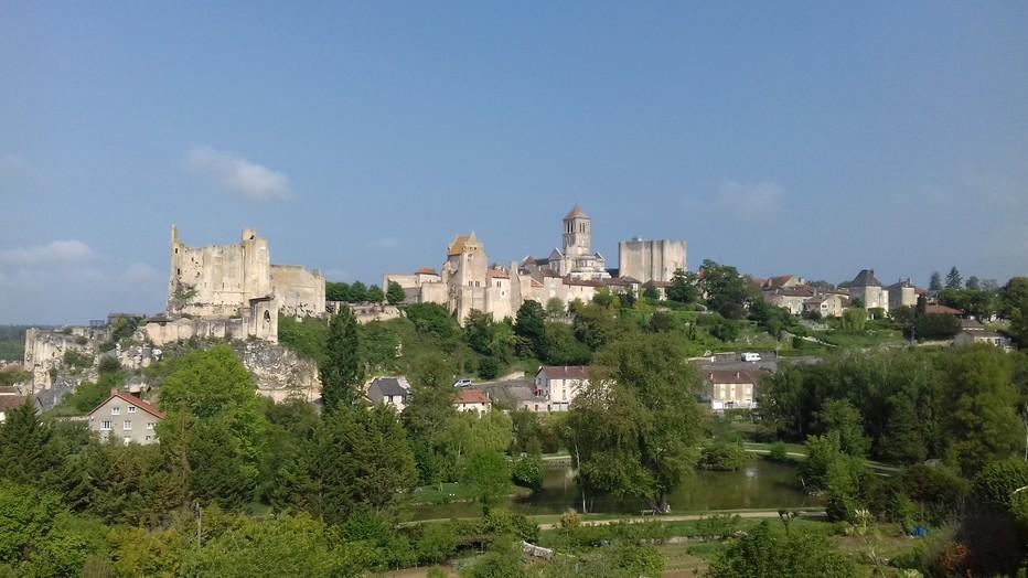 Étape incontournable d'un séjour dans la Vienne, Chauvigny n'est qu'à vingt minutes du Futuroscope et de Poitiers. @   CDT Comité Départemental du Tourisme, l'ATV/ACAP.