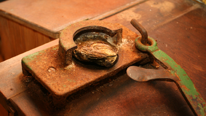 Le Cancalien est un instrument specialement conçu pour ouvrir les huîtres plates