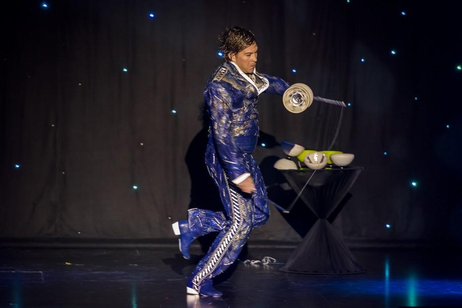 Pierre Marchand, le talentueux joueur mondial de diabolo. ©Royal Palace