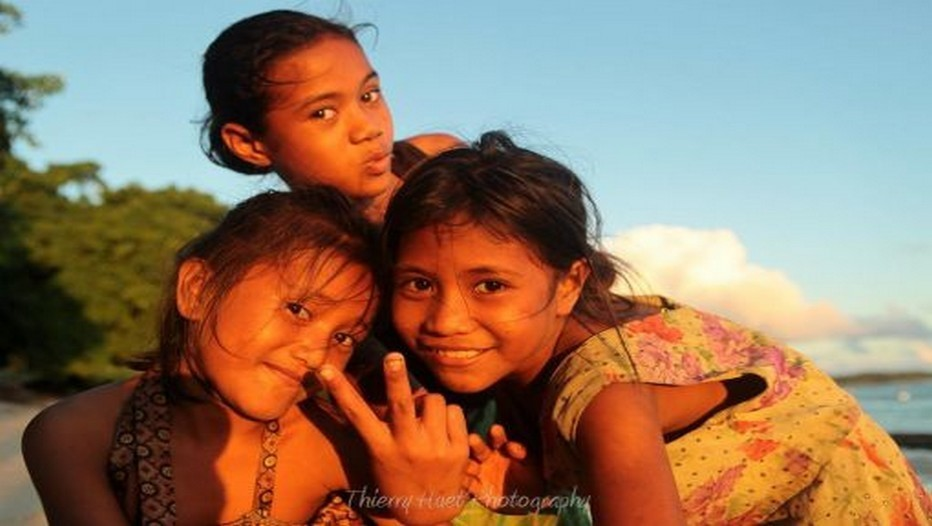 Jeunes filles de l'Archipel de Samoa (Photo Thierry Huet)