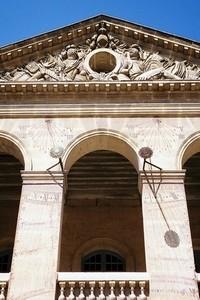 Cadran solaire de la cour d'honneur de l'hôtel des Invalides (crédit photo David Raynal)