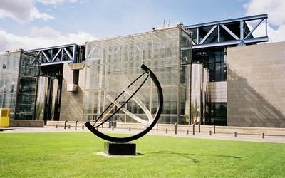 Cadran solaire de la Cité des Sciences Paris (Crédit photo Arnaud Lemorillon)