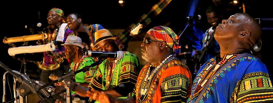 Aujourd'hui, le St Lucia Jazz Festival (en mai) et le carnaval qui se déroule en juin-juillet pour ne pas rentrer en compétition avec celui de Trinidad, s'imposent comme deux évènements majeurs de la région.@ DR