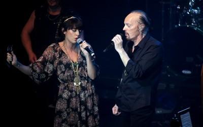 Alan Stivell en duo avec la chanteuse Nolwenn Leroy